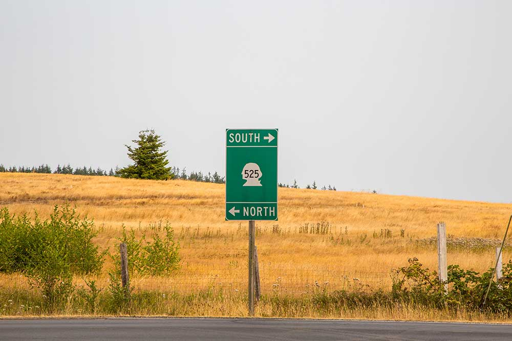 Fietsen over de 525, een provinciale weg in Washington State